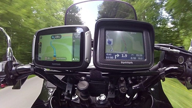 tomtom-rider-motorcycle-gps-navigator-with-lifetime-maps